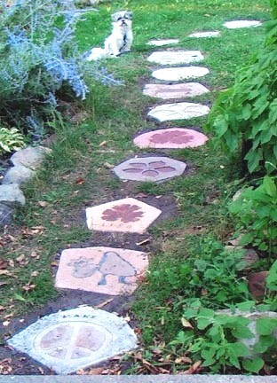 garden path with stepping stones